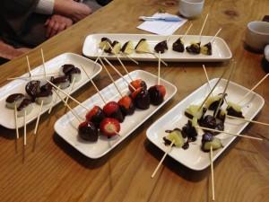 野菜と果物のチョコレートディップ